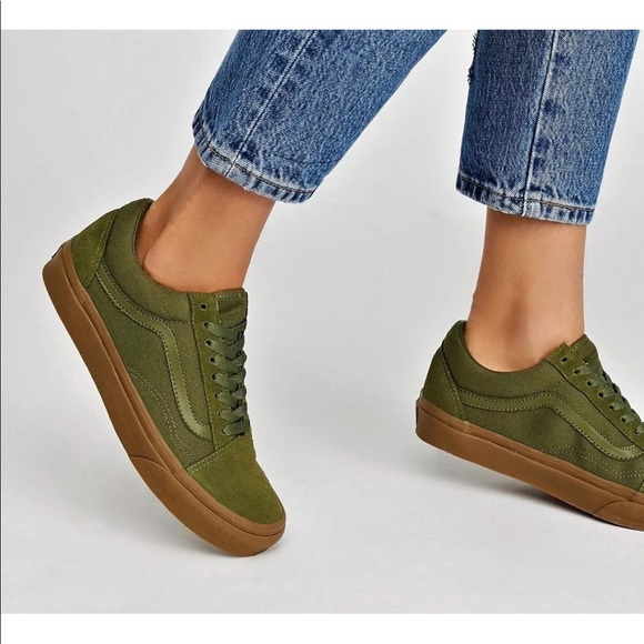 8097e7ca92 Vans Men s Old Skool Skate Shoes Winter Moss Gum